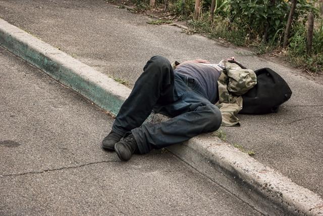 我国4000万酒精依赖者的三重人生